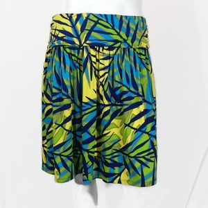 NWOT Stretchy Skirt with Leaf Pattern - Size 26/28